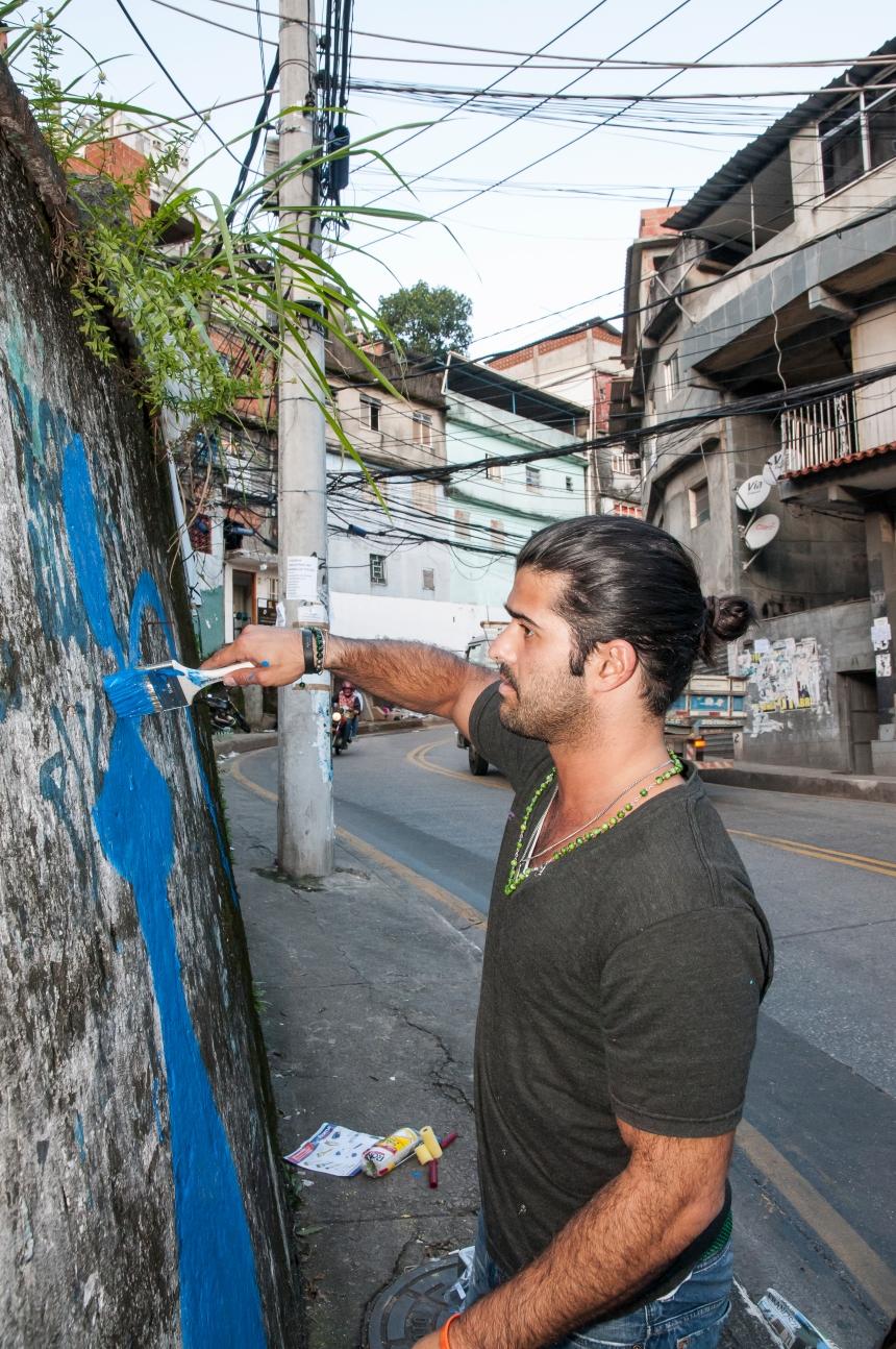 alexander mijares art brazil favela Rocinha
